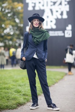 street style Carolina Pimenta ph: Vogue UK