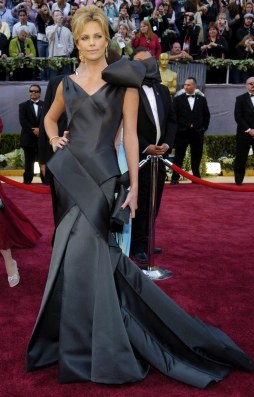 Charlize Theron in Dior Haute Couture by Galliano @ Oscar 2006