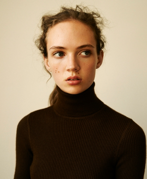 Adrienne Jüliger By Matteo Montanari For Twin #12 Spring